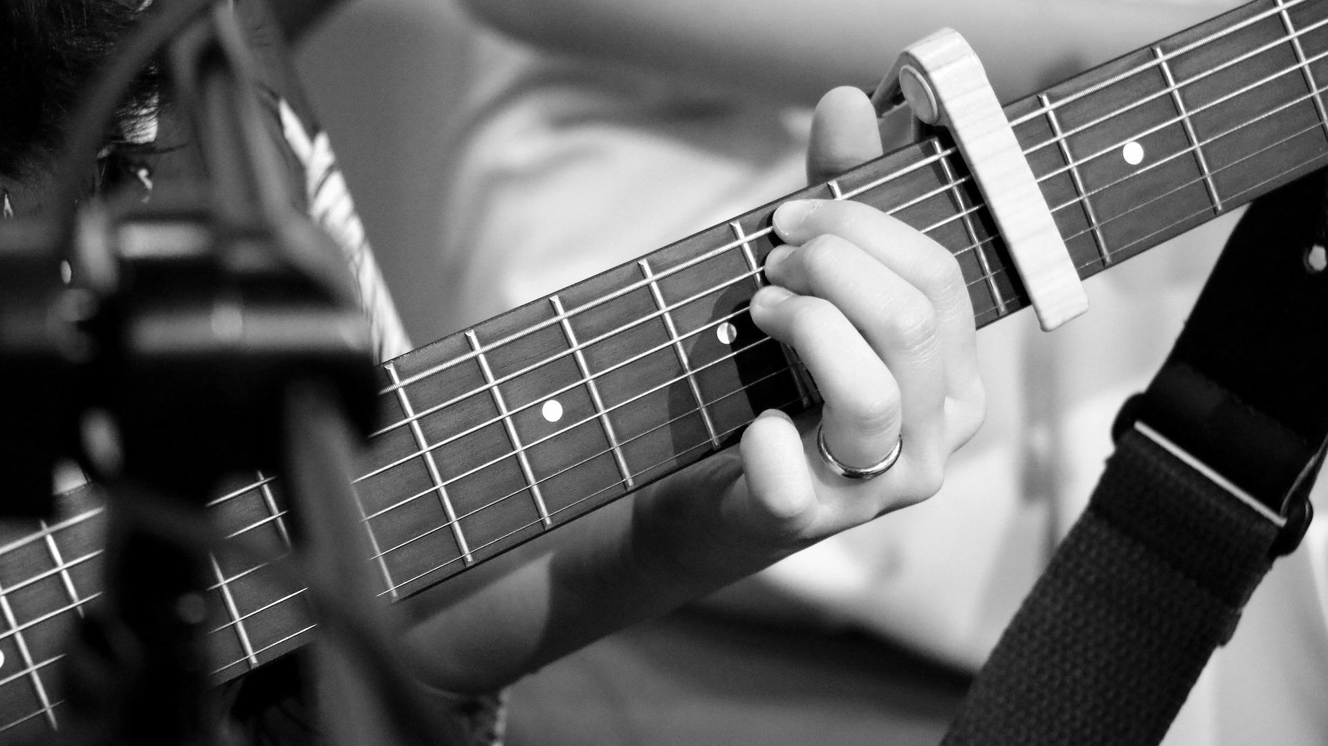 guitar 3214415 1920 - Activités et stages - OCA Bonneville